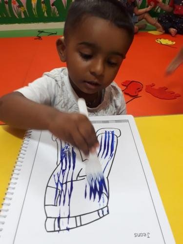 Fork dabbing activity of playgroup (2)