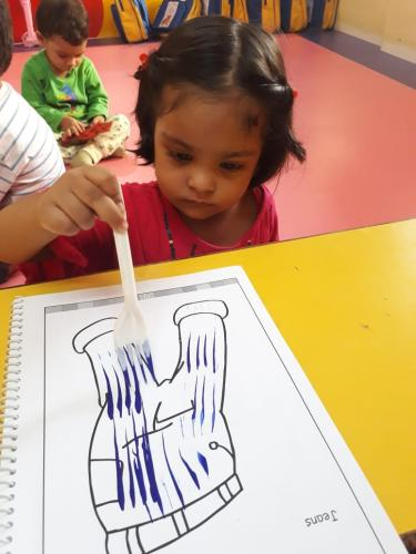 Fork dabbing activity of playgroup (5)